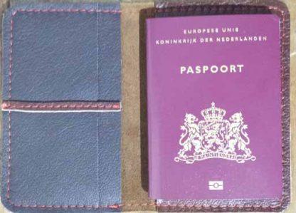 leren paspoortmapje